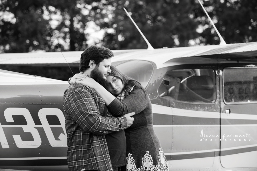 engagement session with plane